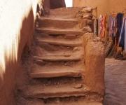 Een trap, ook van leem