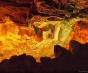 Veelkleurige lava stenen in de grotten van Los Verdes